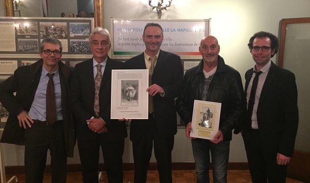 """INSTITUT.  DIMANCHE 15 NOV. 2015. 2è à g. S.E. Mr. FABRIZIO MAZZA, CONSUL GENERAL D'ITALIE à MARSEILLE DEPUIS SEPT. 2014, PRESENTE à LA PRESSE MICHEL FICETOLE , AUTEUR  DE """"MARSEILLE LA NAPOLITAINE"""". C* LA PROVENCE.com"""