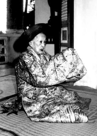 La reine mère Tu Cung début 1980.