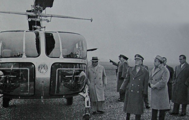 1957. CASCINA COSTA. BELL 48 A.  AVEC NOS REMERCIEMENTS à www.heli-archive.ch