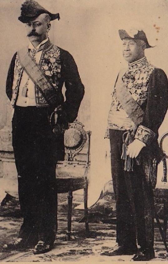 MR.LOUIS PAUL LUCE RESIDENT SUPERIEUR AU CAMBODGE (1905_1911) et SA MAJESTE SISOWATH (1840 + 1927, ROI de 1904 à SA MORT 1927).  DEMI-FRERE DU ROI NORODOM Ier (1835 + 1904  / 1860_1904)