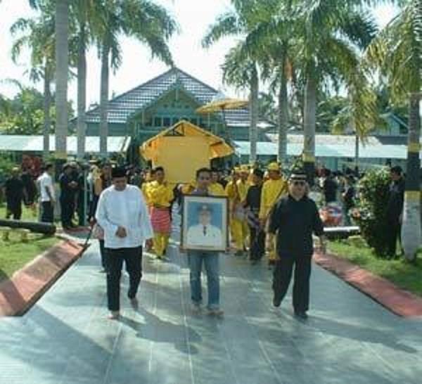 LUNDI 25 JUILLET 2005. FUNERAILLES DU Dr. JIMMY MOCHAMAD IBRAHIM bin TAUFIK AKAMADDIN DECEDE à 73 ans.