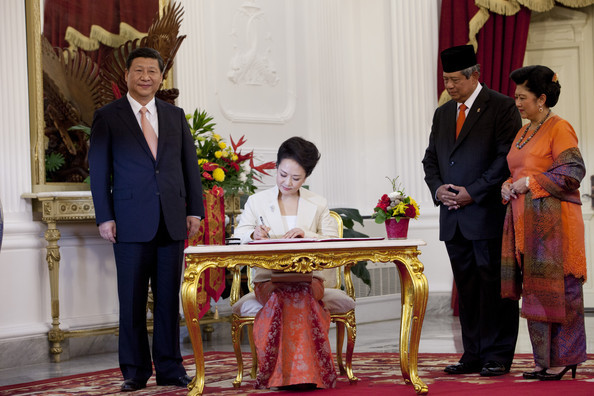 2 OCTOBRE 2013. JAKARTA. VISITE OFFICIELLE DU PRESIDENT CHINOIS XI JINPING ET DE SON EPOUSE