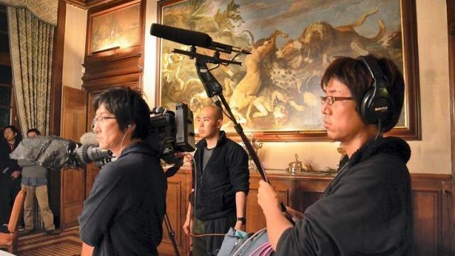 DEC. 2013. TV TOKYO FAIT UN REPORTAGE AU CHÂTEAU.