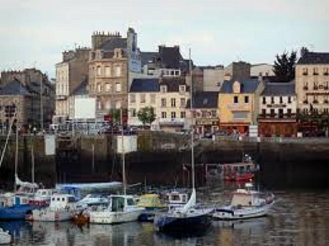 La vieille ville et le port de pêche