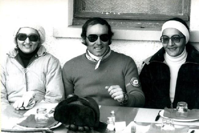 1978. LES PRINCESSES HAYFA (à g.) et LOLOWAH, filles du ROI FAISAL avec JOËL