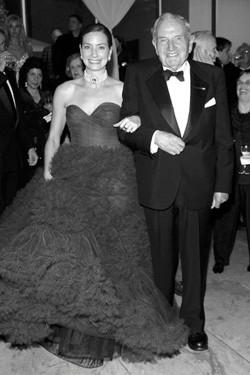 David et Miranda Kaiser Duncan 90è anniversaire de David au Moma.7 Juin 2005. La robe de Miranda était d'un bleu inoubliable