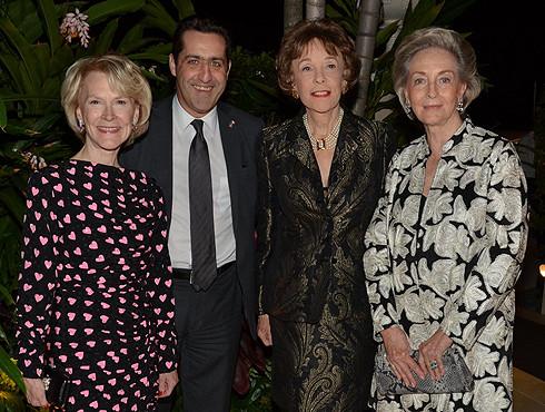 g. à dte. Elizabeth STRIBLING, Gaël de MAISONNEUVE, Nicole HIRSCH, Didi d'ANGLEJAN.