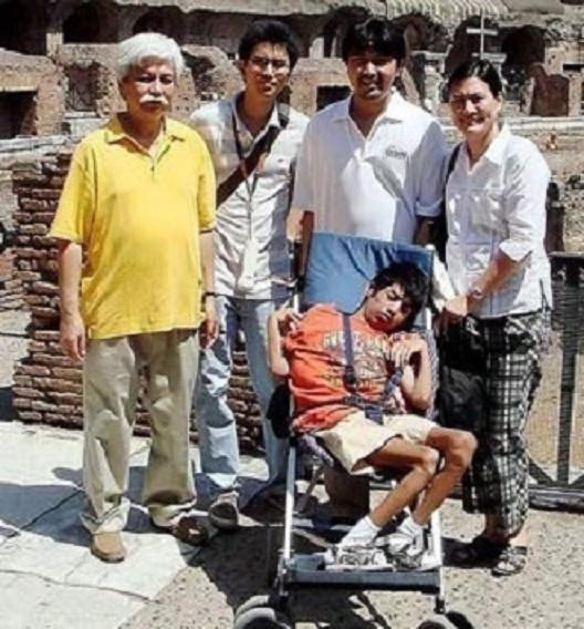 NOS VACANCES EN ITALIE. ROME. AOÛT 2008. La famille ne se sépare jamais...