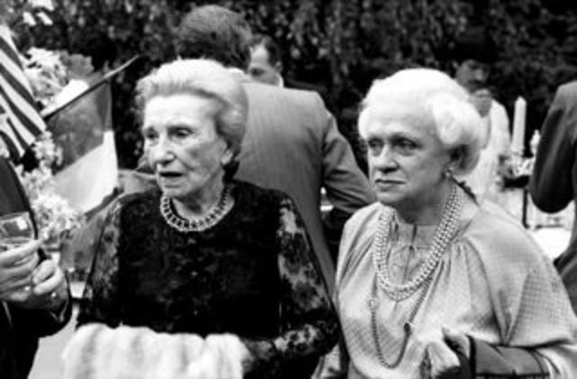 LA PRINCESSE GALITZINE (à gauche)