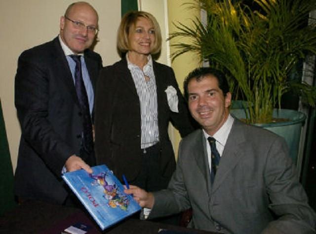 MARDI 28 NOV. 2006. POLO CLUB DE LYON. SOFITEL. LE PRINCE AVEC DIDIER et MARIE CAUDARD-BREILLE (DCB INTERNATIONAL).