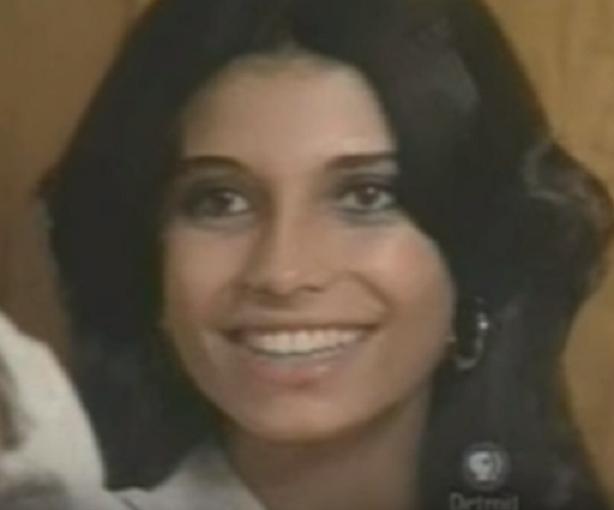 L'actrice libanaise SAWSAN BADR de son vrai nom Suzanne AHMED BADR EL DEEN née le 25 Sept. 1957, incarne la Princesse MISHA'AL née en 1958