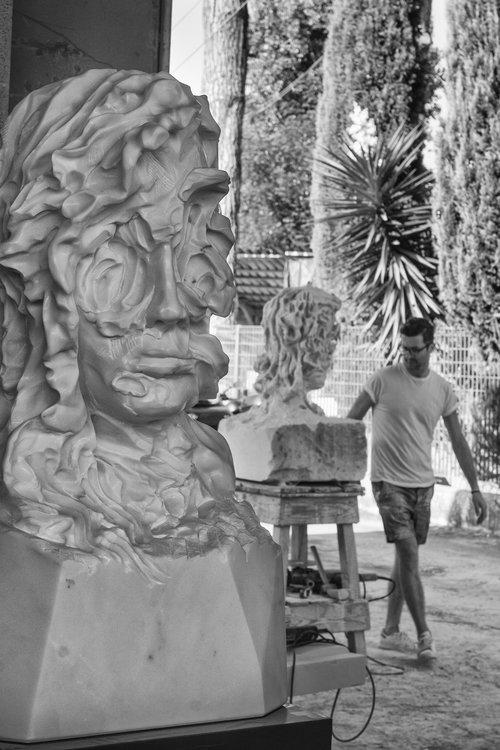 CAVE GIRL  2016 . Statuario marbre