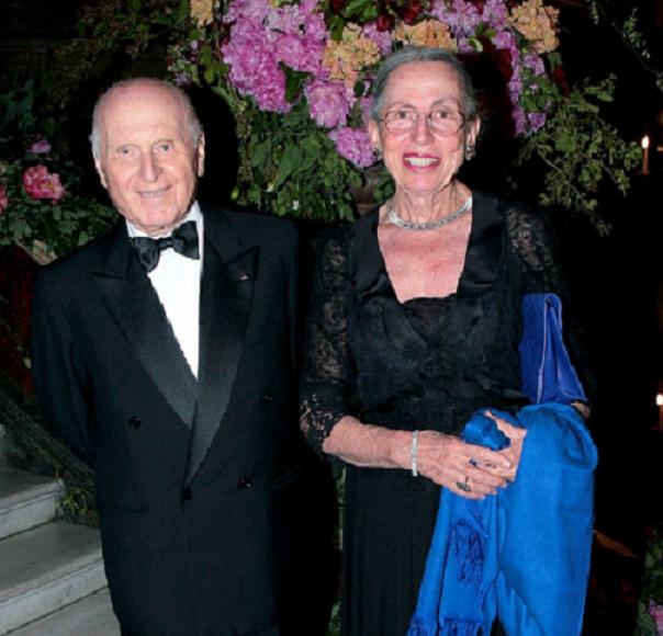 """Juin 2007. AROP. """"LA TRAVIATA"""". Martine MARTINE, PEINTRE, SCULPTEUR et son époux  Léon CLIGMAN, INDUSTRIEL. Fans de Bel Canto ils ne manquent jamais une soirée à l'Opéra."""