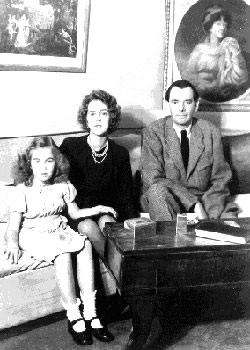 DIANA,FILLE UNIQUE avec ses parents.