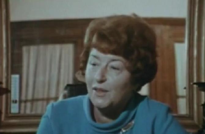 12 NOVEMBRE 1967. MARIE- MARGUERITE VIGORIE (épouse MARIANI), PREMIERE FEMME DIRECTRICE DE PRISON EN FRANCE, INTERVIEWEE DANS SON BUREAU DE LA PETITE ROQUETTE PAR MARGUERITE DURAS ALORS JOURNALISTE.