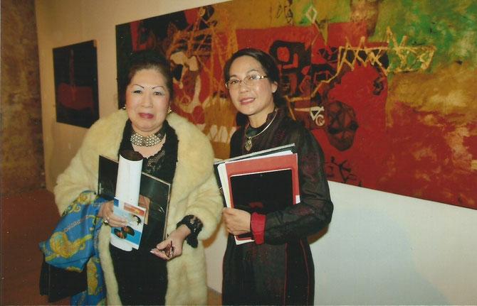 MARSEILLE, M.A.M.A. JEUDI 20 FEV. 2014. MAGUY TRAN avec Mme DOAN THI THU HUONG à droite.