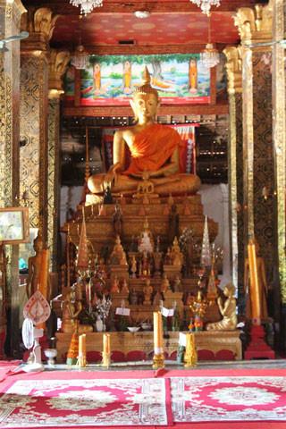 Immense Bouddha doré de 600 kg.