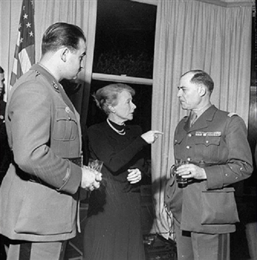 1er Janv.1945 NEW.YORK.  ALEXANDRE, Mme de TESSAN et Général JUAN