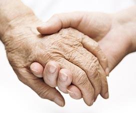 zwei sich haltende hände, service agentur für pflegedienste