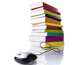 Bücherstapel mit Maus - Online Buchhandel