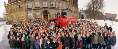 BDW mit Schülerinnen und Schülern vor dem Rats am 16.1.2010 (Foto- Schmitz und Hartmann)
