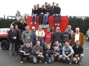 Belegschaft der Autolackierei Waltermathe in Oerlinghausen