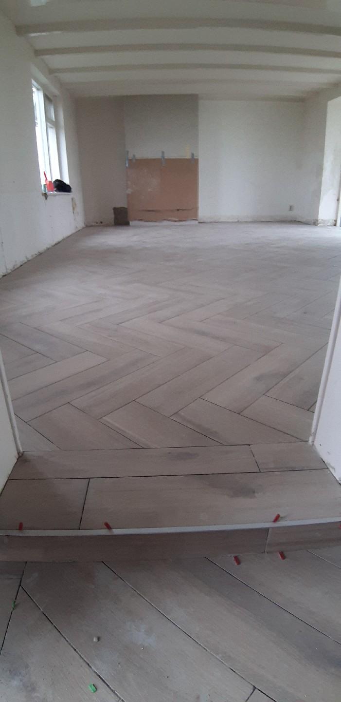 119 m² Visgraat Miele Honing i.c.m. vloerverwarming
