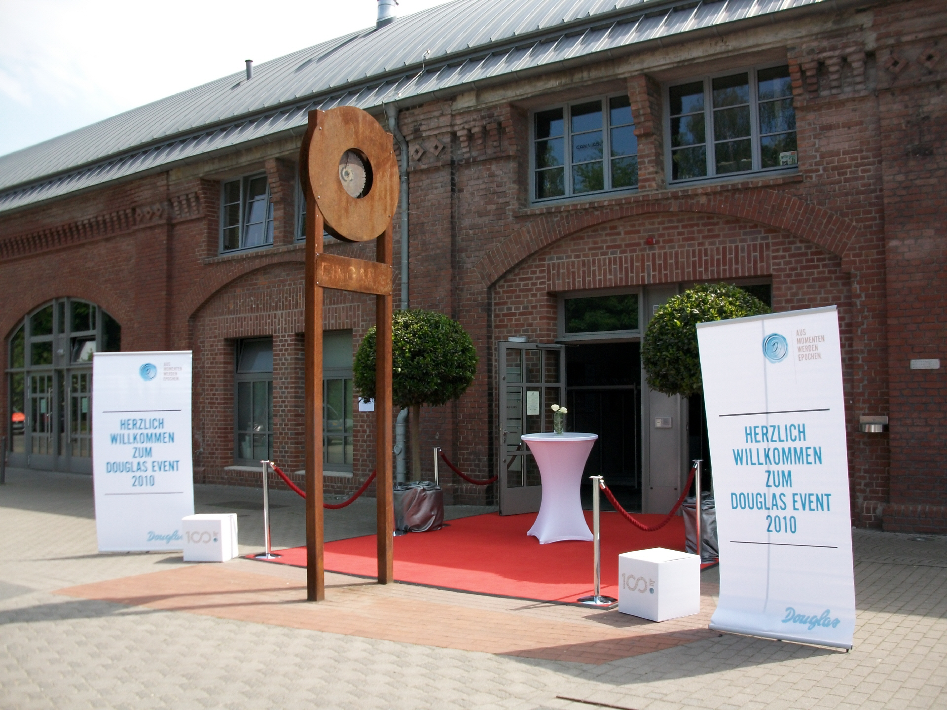Eingangsbereich Eventgestaltung Douglas in der Rohrmeisterei