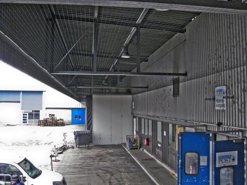 Vernetzung der Dachkonstruktion einer Verladerampe