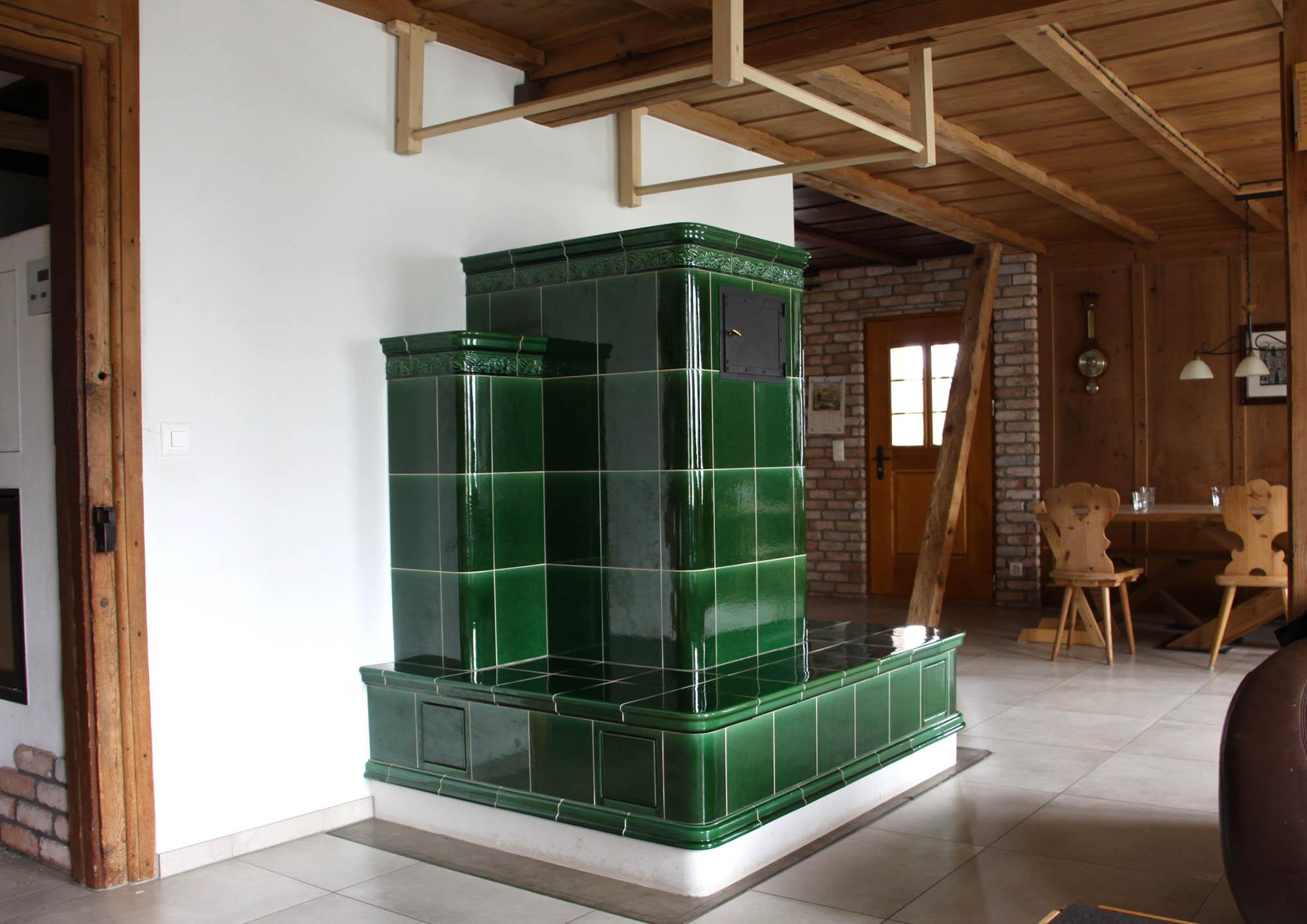 Traditionelle und moderne Kachelöfen peterkeramikGmbH Kärselen