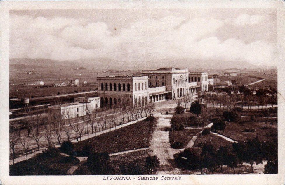 Veduta della stazione dall'Albergo Corallo