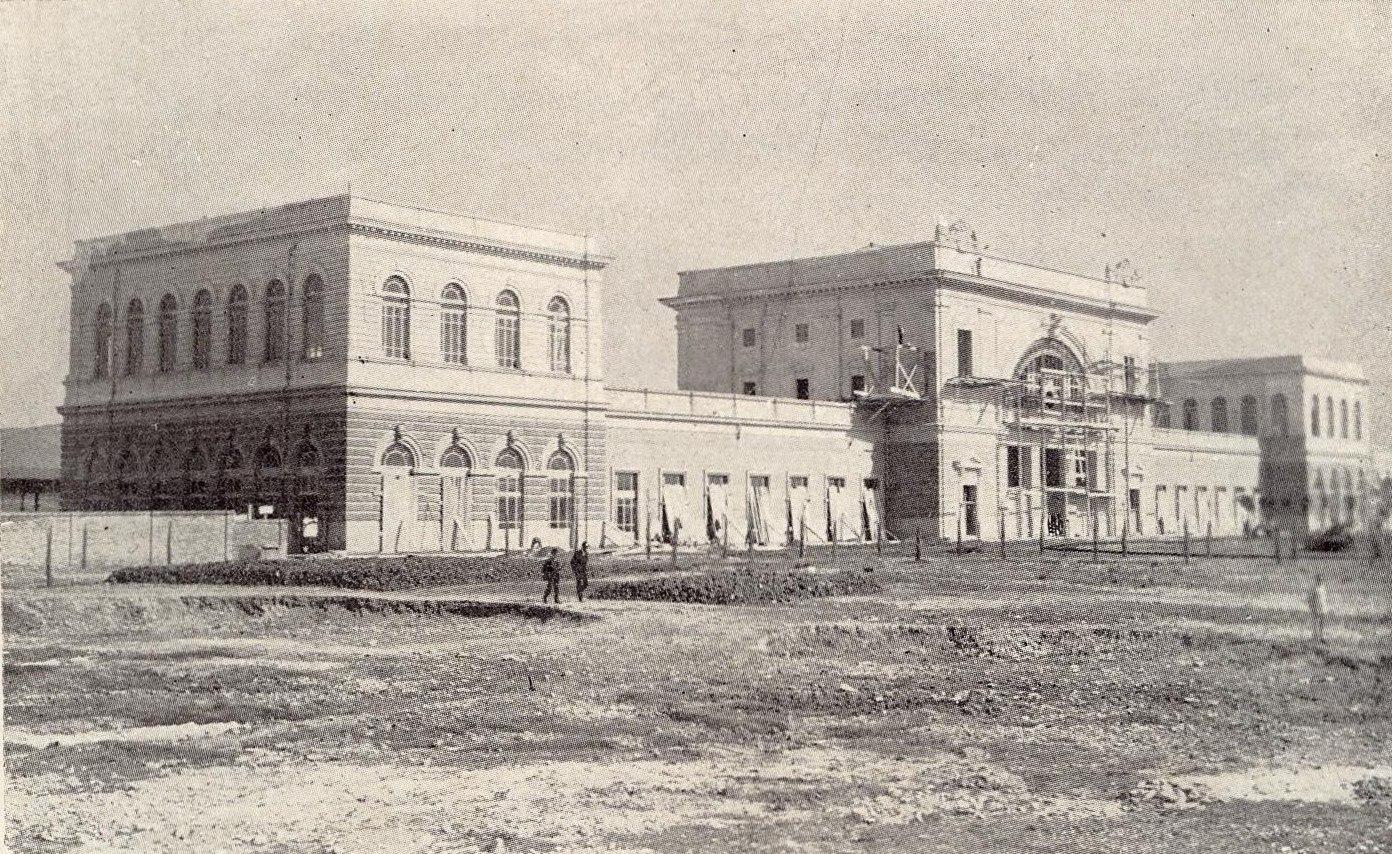 La stazione in costruzione