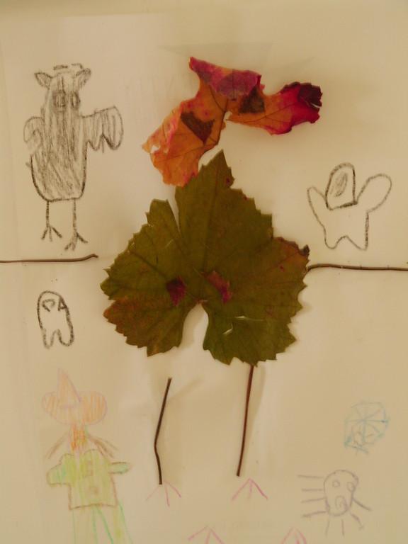 bonhomme feuilles sèches