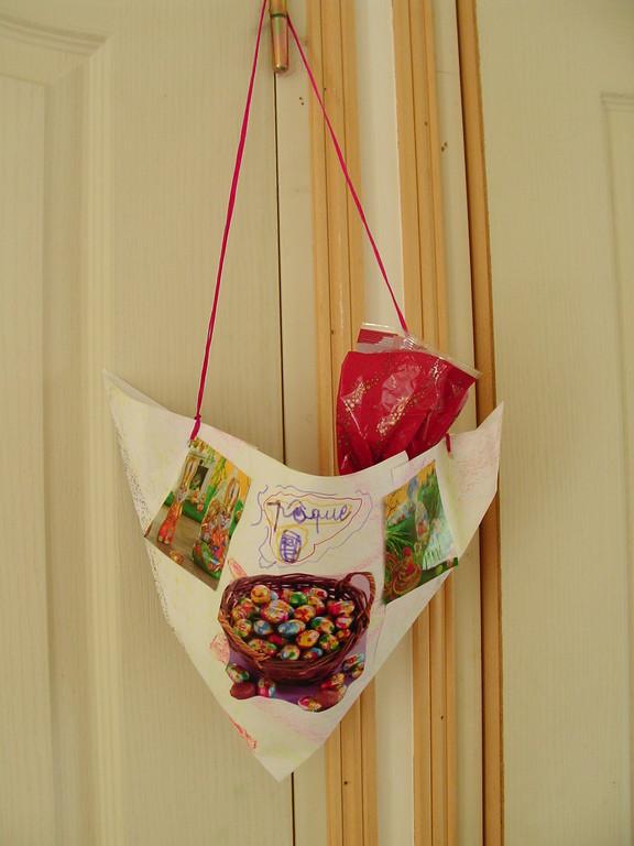 panier de Pâques en papier (façon chapeau de fée)