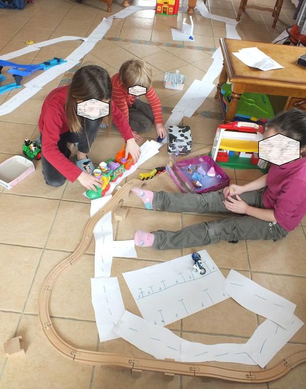 se fabriquer un grand circuit en papier