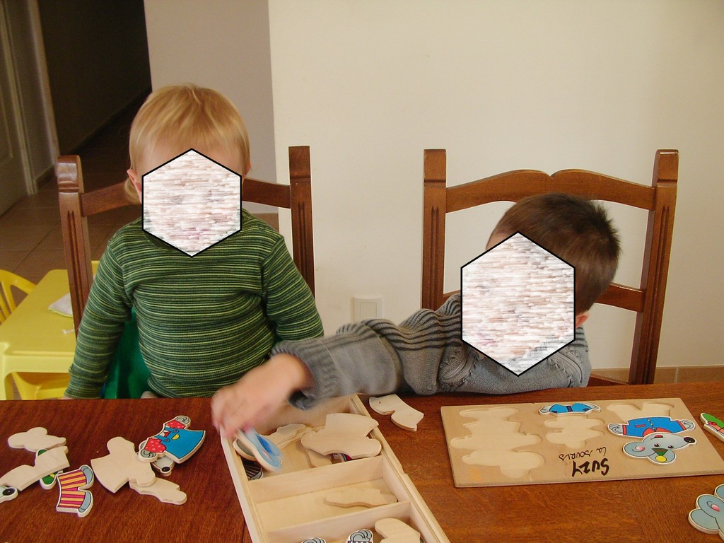 puzzle en bois j'habille toute la famille