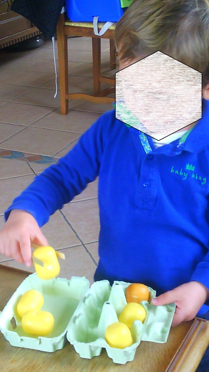 atelier type Montessori : se servir d'une pince