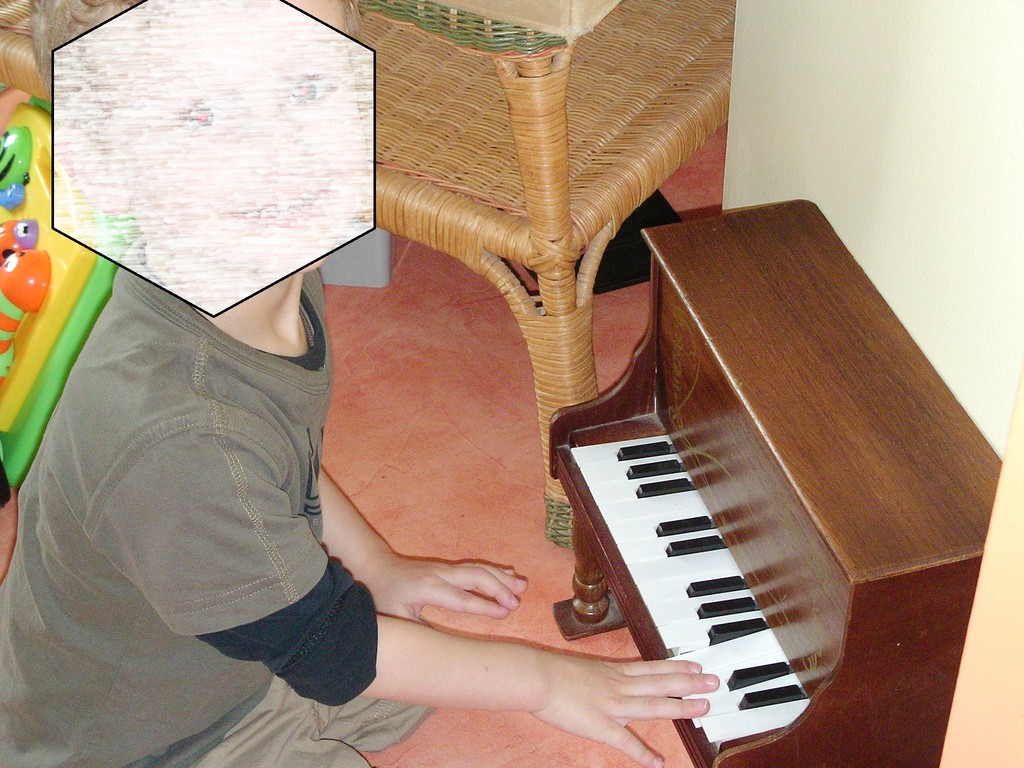 le vrai petit piano (où je montre de petites chansons)