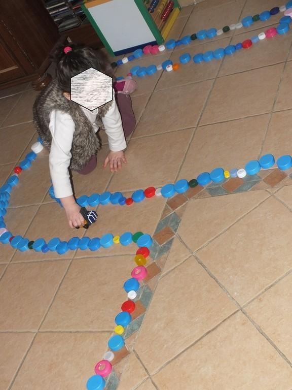se fabriquer des routes en bouchons de plastique !