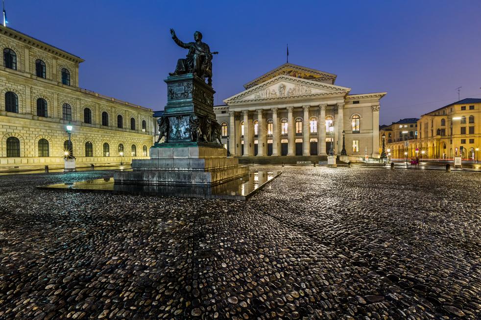 Die Bayrische Staatsoper in München / Foto StockPhotos