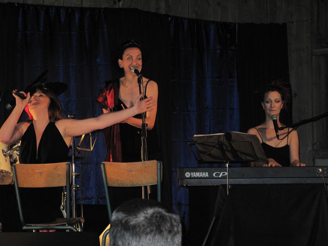 21h chez Annick et Gustave, Zek et Cat...trois filles...quel talent!