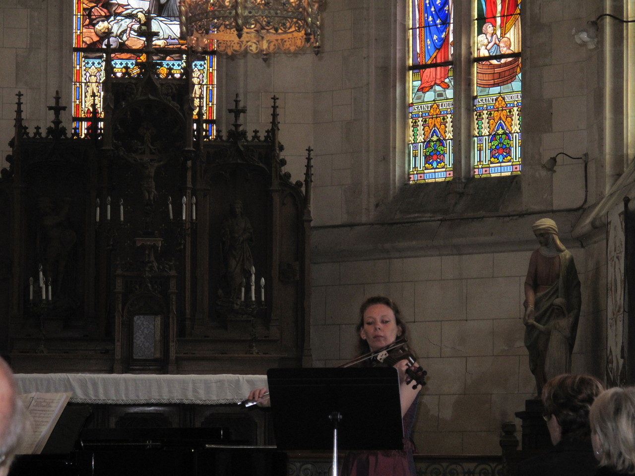 Samedi, 14h30 dans l'Eglise, le Duo Arc en Ciel : notre violoniste Claire Kaczmierczak accompagnée au piano d'Emmanuel Coulombel
