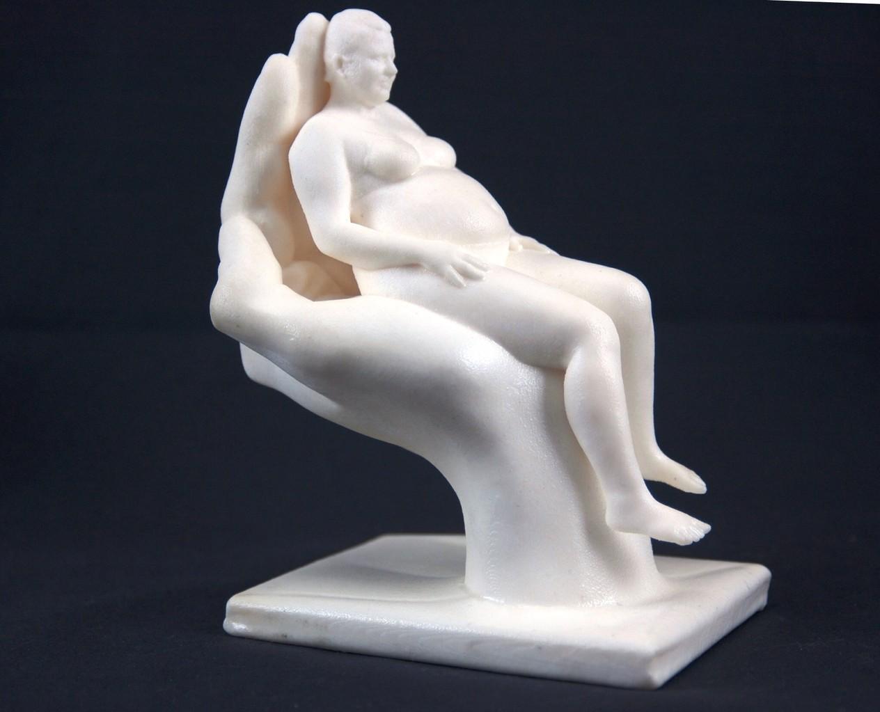 Schwangerschafts-Scan getragen in seiner Hand
