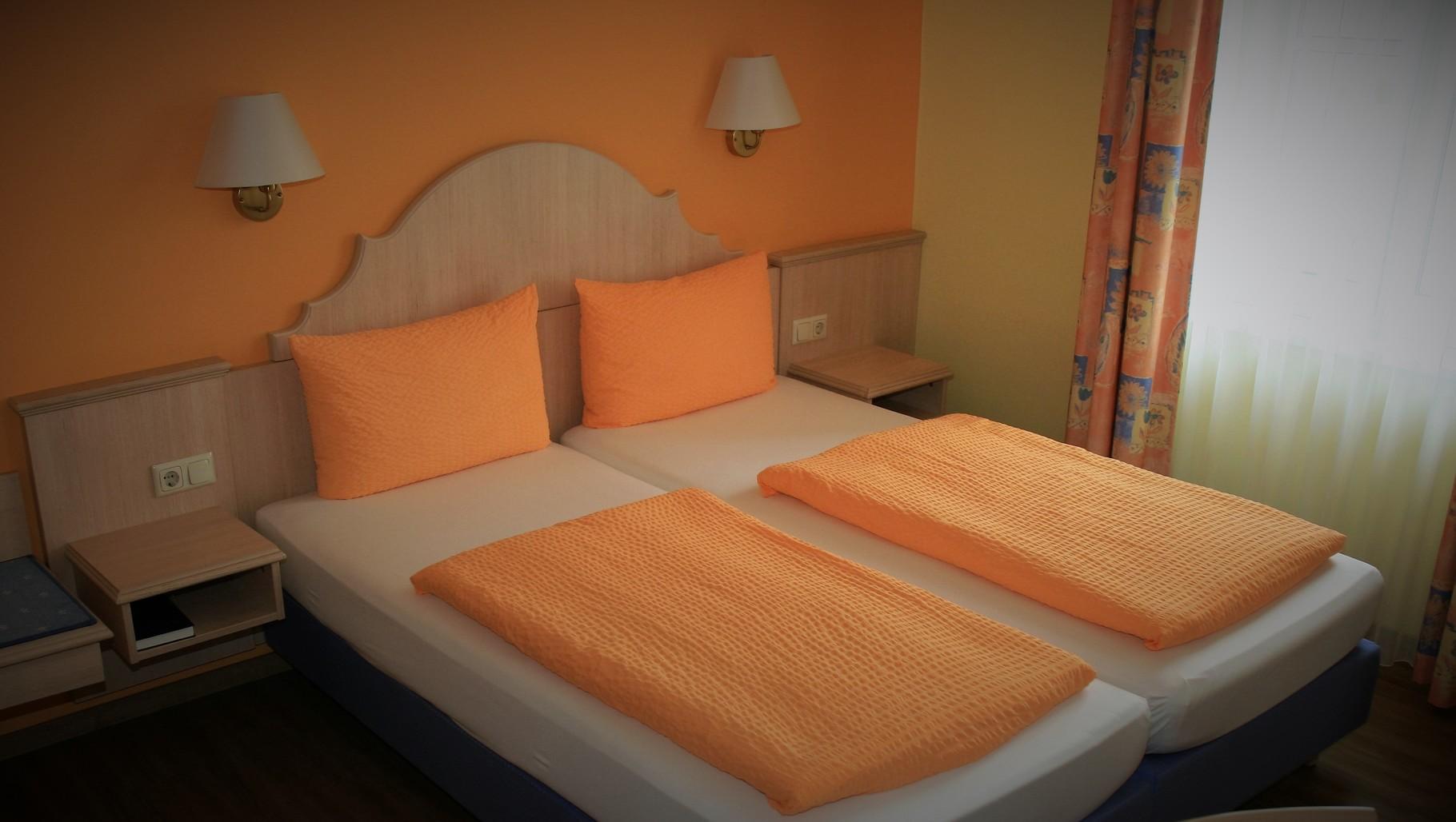 Hotel hotelgasthof krones webseite for Hotel krone gunzenhausen