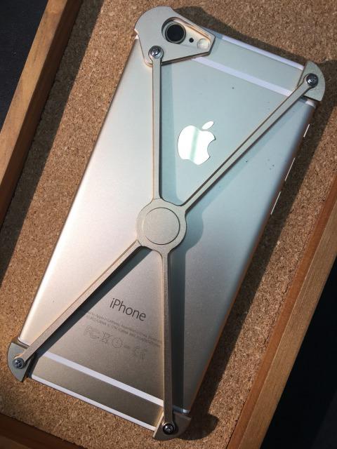 iPhoneSE/6/6S クロスバンパー 各色3880円