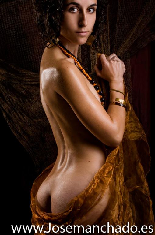 mujeres guerreras, mujeres fantasia, dibujo mujeres fantasía, chicas guerreras, mujeres tatuadas, espadas, brujería, fotomontaje basico, luis royo, achilleos, broom, enki bilal