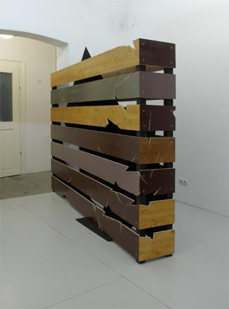 """Weltenwinkel 2010 190 cm x 1030 cm x 140 cm Sperrholz, Fichte, Kunstharzlack, Dispersion"