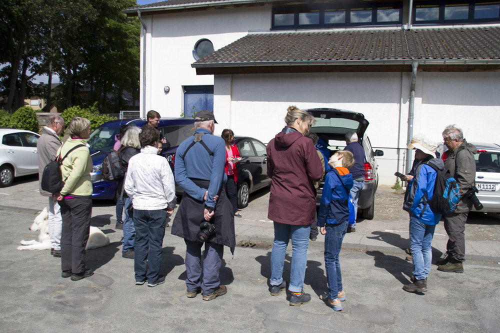 Fast 20 Teilnehmer  fanden sich am Treffpunkt: Grundschule in Bürvenich ein