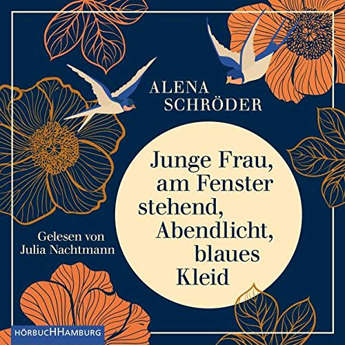 Junge Frau, am Fenster stehend, Abendlicht, blaues Kleid von Alena Schröder