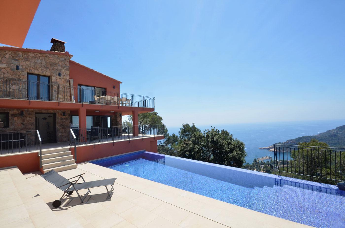 Villa Begur, piscine, vue mer, proche plage.